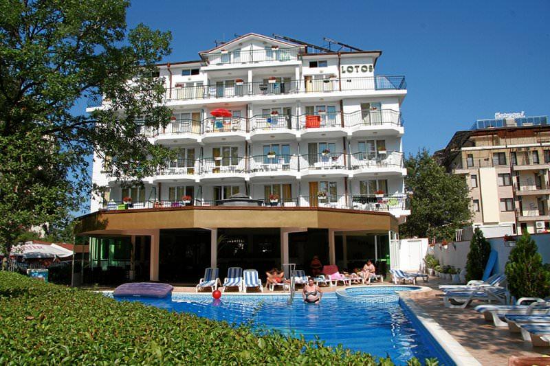 Хотел Лотос
